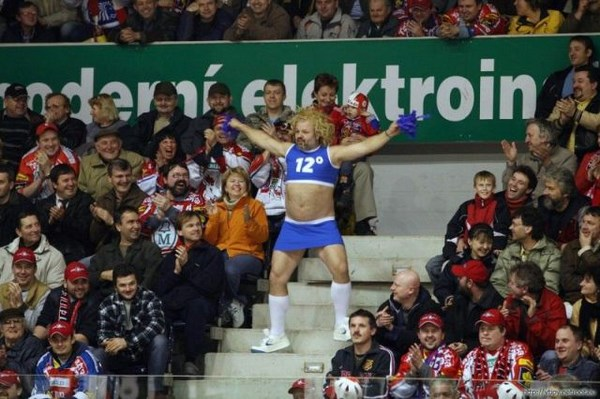 crazy-and-hilarious-sports-fans09