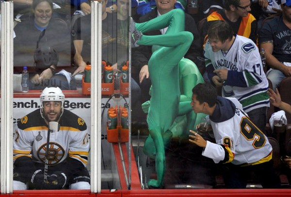crazy-and-hilarious-sports-fans12