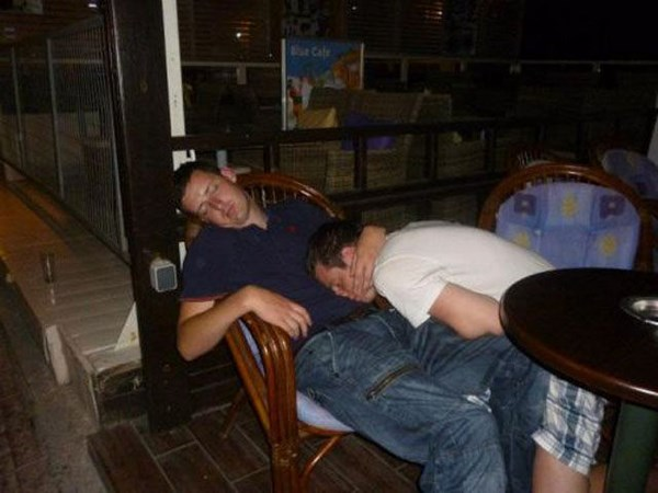hilarious-drunk-and-wasted-people07
