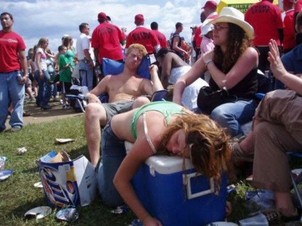 hilarious-drunk-and-wasted-people11