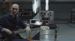 Robots Play the Instruments In the Smashing Music Video