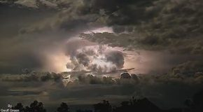 Incredible Footage of a Mega Storm Developing in the Clouds Over Kimberley