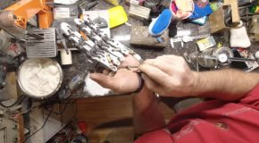 This Engineer Built Himself Four Mechanical Fingers To Replace His Missing Fingers!