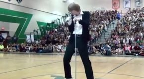 Kid Dancing To Michael Jackson's Billie Jean Wins Talent Show!